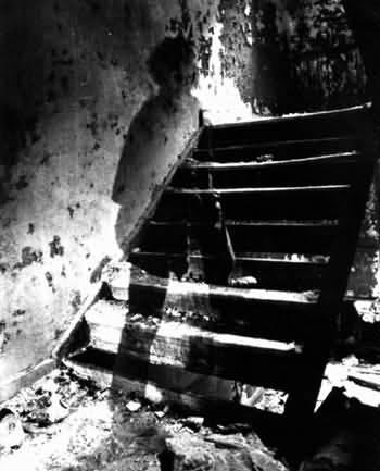 stairway_ghost